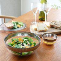 シルバー×ガラスの料理を輝かせる「ボウル」。清涼感と高級感たっぷり!