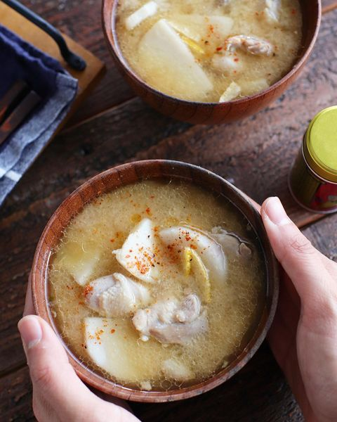 ほっこり美味しい♡鶏と里芋の味噌汁レシピ