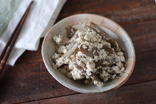 風味◎なすぐできる副菜。ごぼう白和えレシピ