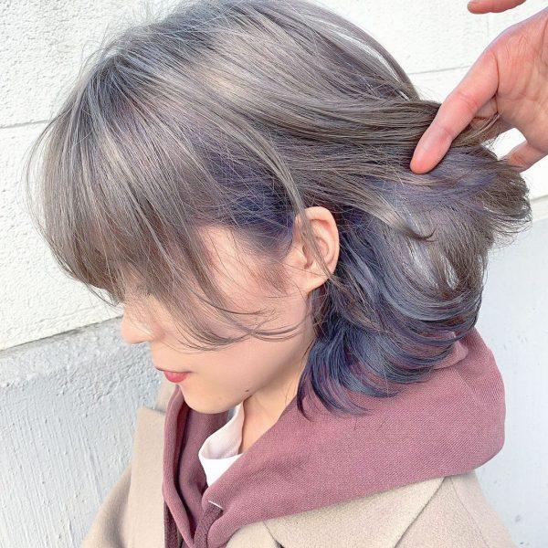 ブルーの色変で作るシルバーインナーカラー