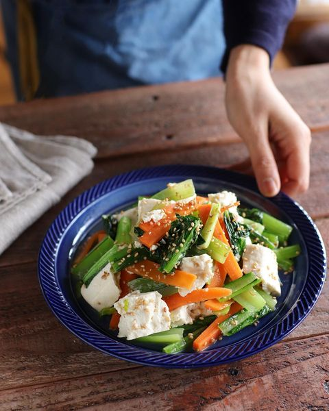 彩り豊か♡小松菜と人参豆腐のナムルレシピ