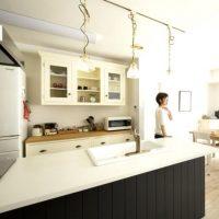 人工大理石キッチンのおしゃれコーディネート|リノベーション実例を紹介