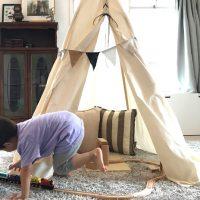 子供も喜ぶ室内テント!木と布でティピーを作ろう
