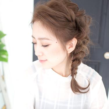 《ミディアム》結婚式に合う髪型15選。簡単に出来るセルフアレンジで華やかに