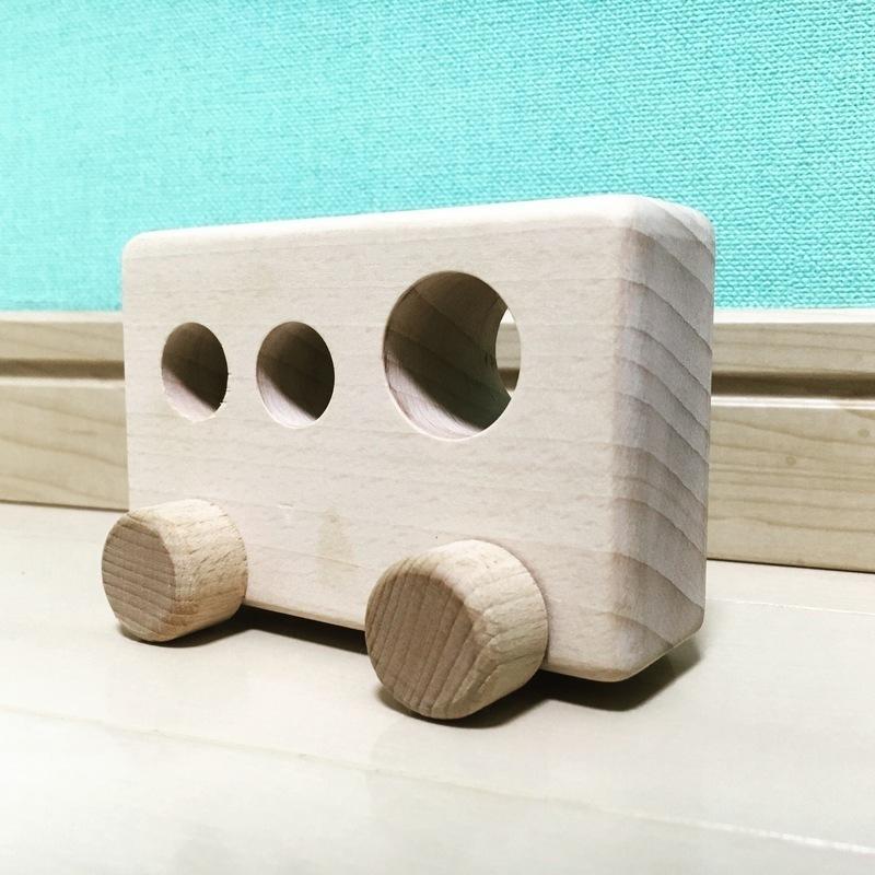幼児の車遊びに♪おしゃれな手作り木製バス