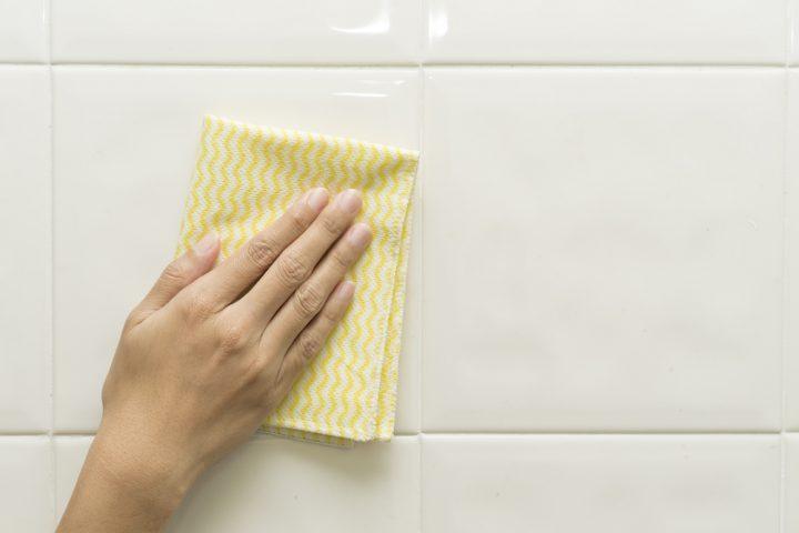 4. 洗剤も拭き取りも「下から上へ」