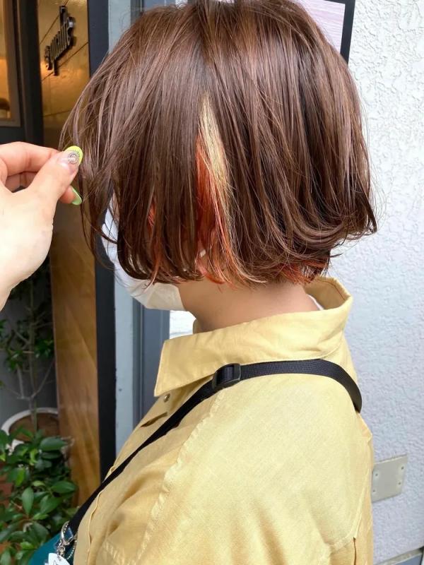 ショートボブ×オレンジカラー