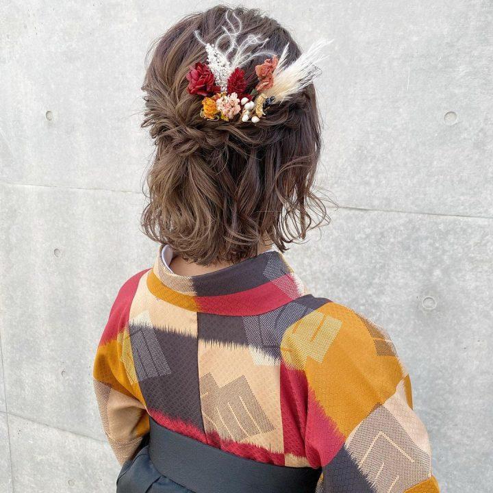 巻き髪がキュートな前髪なしの着物ヘア