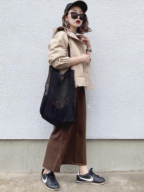メッシュトートバッグ×スカートの秋コーデ