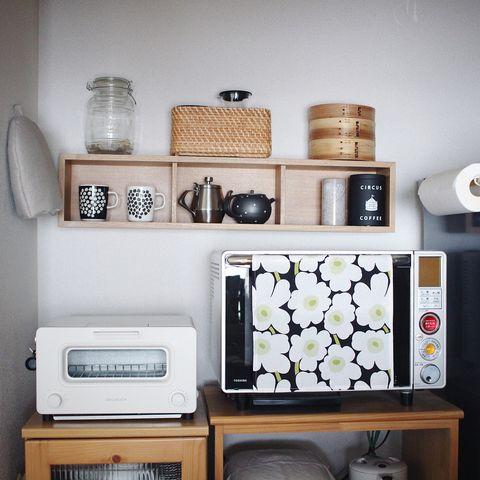 「壁に付けられる家具 箱」を使ったインテリア実例3