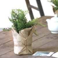 《まるで本物の植物》おすすめのフェイクグリーン特集。お部屋を自然空間に彩る