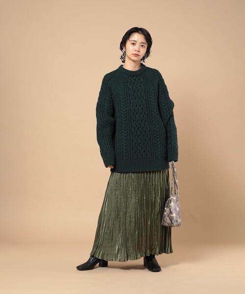 アラン編みビッグニット×レディーススカート