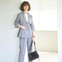 《2021秋》女性×パンツスーツの着こなし特集。オフィスに適したコーデって?