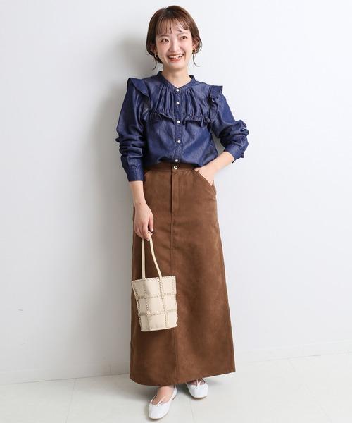 甘めデニムシャツ×タイトスカートの秋コーデ