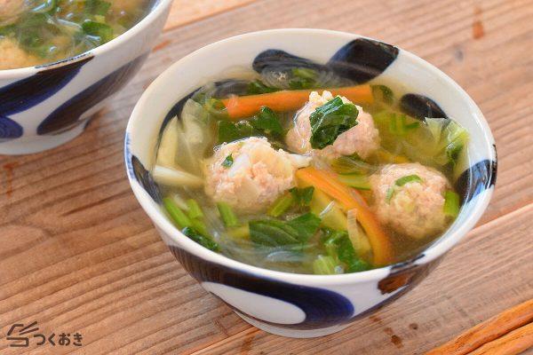 ふわふわ鶏だんごで優しい小松菜スープ