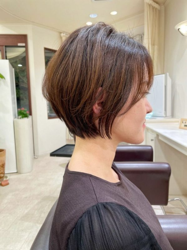 大人らしい髪型のくびれショートヘア