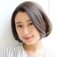 30代女性におすすめのグレージュヘアカラー。大人の魅力を演出する髪色カタログ