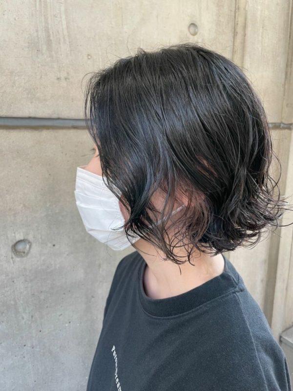 切りっぱなしボブのデジタルパーマヘアスタイル