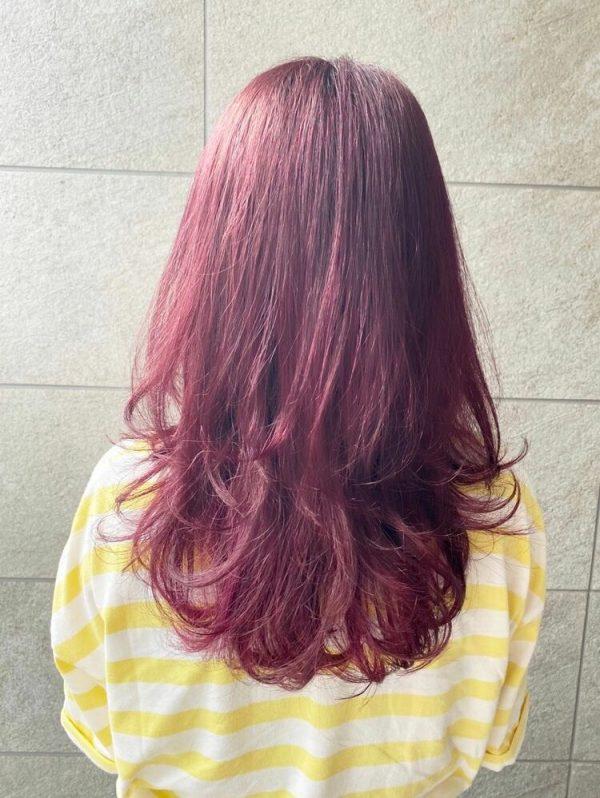 セミロングのネオウルフヘア×明るめピンク