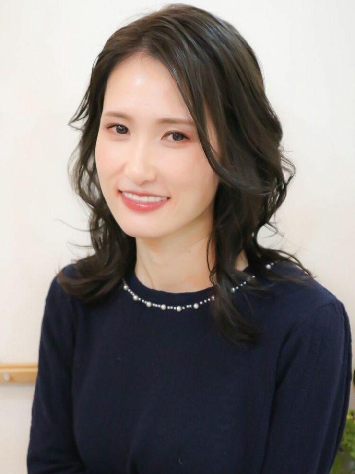 エレガントなレディース韓国風パーマ