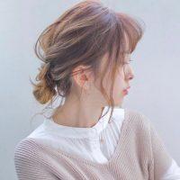 小顔見えが叶う髪型アレンジ集。レングス別に悩みをカバーした人気のヘアスタイル