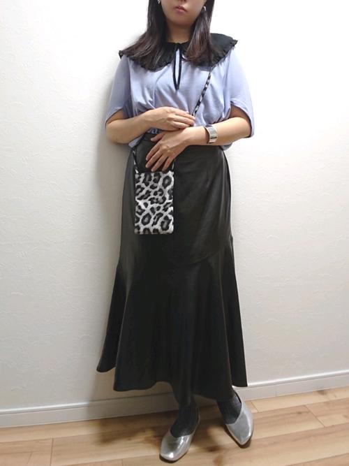 黒つけ襟×黒マーメイドスカートの秋コーデ