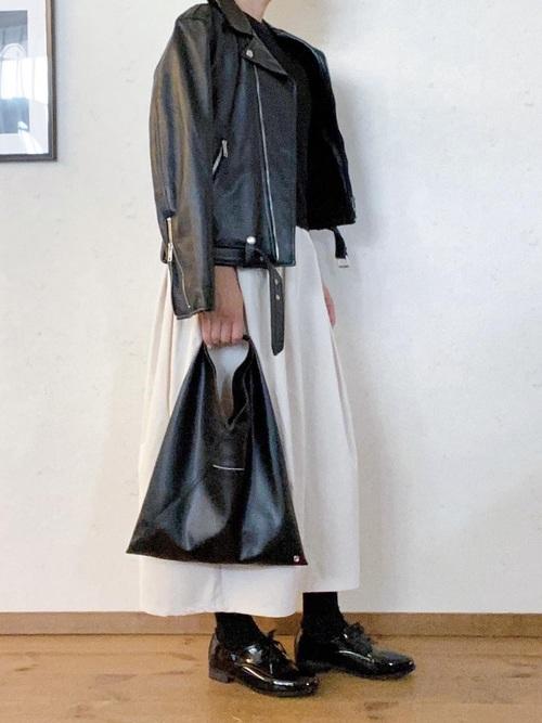 無印良品の白フレアスカート