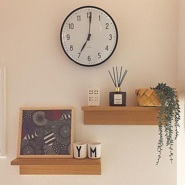 壁に付けられる家具・棚のおしゃれな飾り方