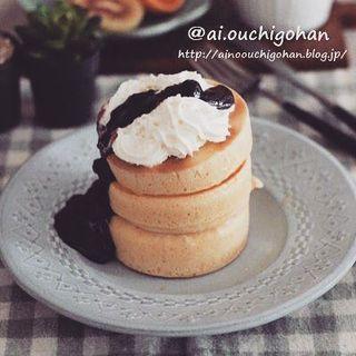簡単ジャムソースを添えたパンケーキレシピ