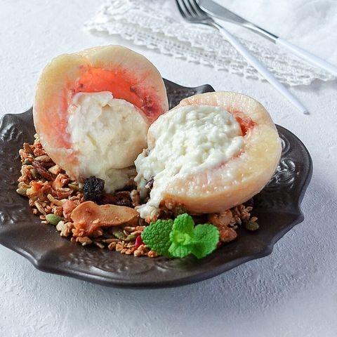 ブッラータチーズ桃