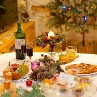気分を盛り上げるクリスマスパーティーの飾り付け特集。部屋を彩るおしゃれな装飾