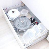 システムキッチンの上手な引き出し収納術。出し入れ楽々に整理整頓できるコツ