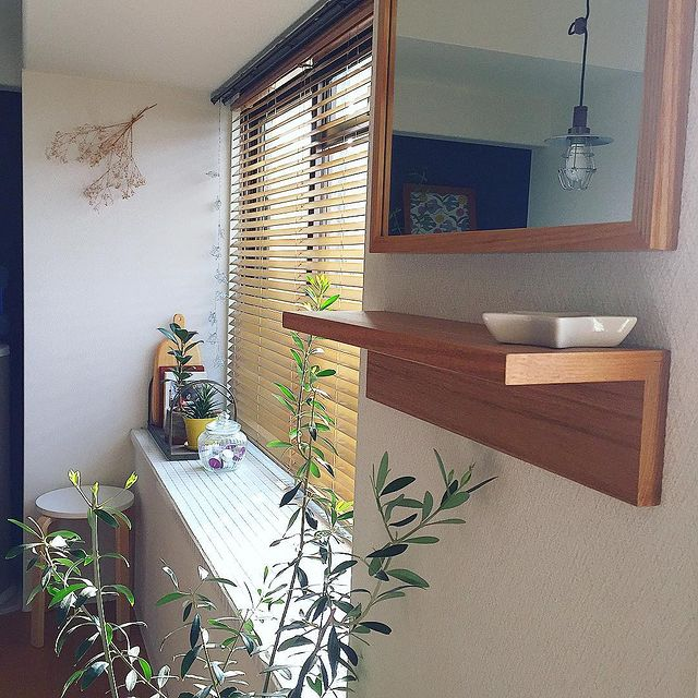 便利な壁に付けられる家具棚
