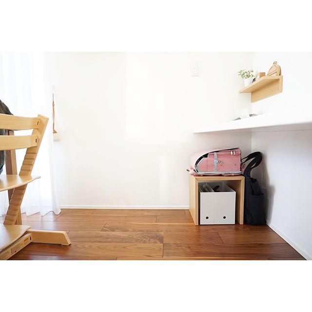 コの字の家具でランドセル置き