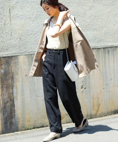 黒デニムワイドパンツ×ジャケットの秋コーデ