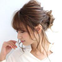 韓国風ロングヘアアレンジ集。ルーズ感を出した髪型で簡単に叶えるこなれ大人スタイル