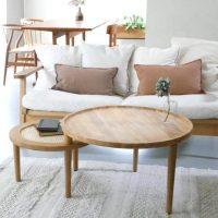 自然を意識したチーク材×ラタンの北欧的「テーブル」。主役級の存在感!