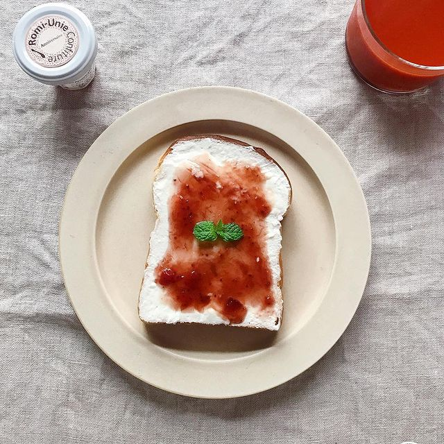 水切りヨーグルトとジャムのトーストレシピ