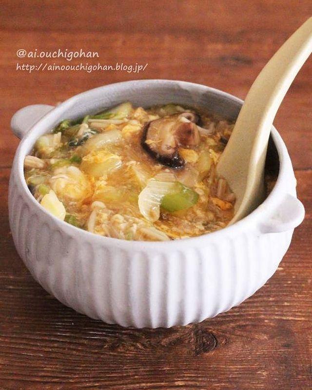 白菜、ねぎ、しいたけ、えのき、卵、かきたまスープ、和風。