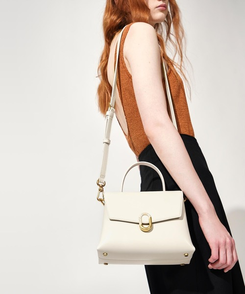 [CHARLES & KEITH] ストーンエンベリッシュド ハンドルバッグ / Stone-Embellished Handbag