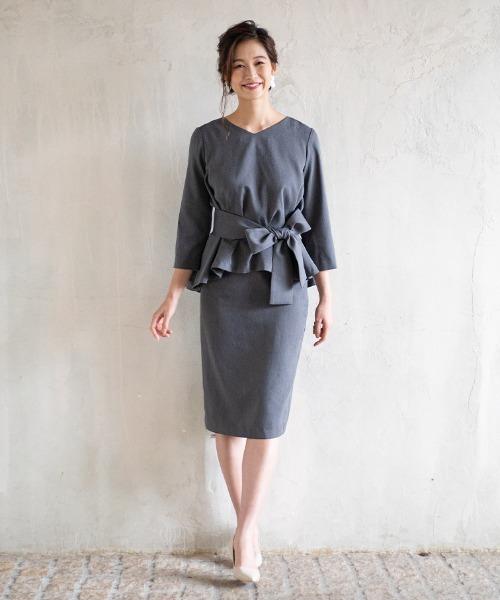 リボン付きジャケット×レディースタイトスカート