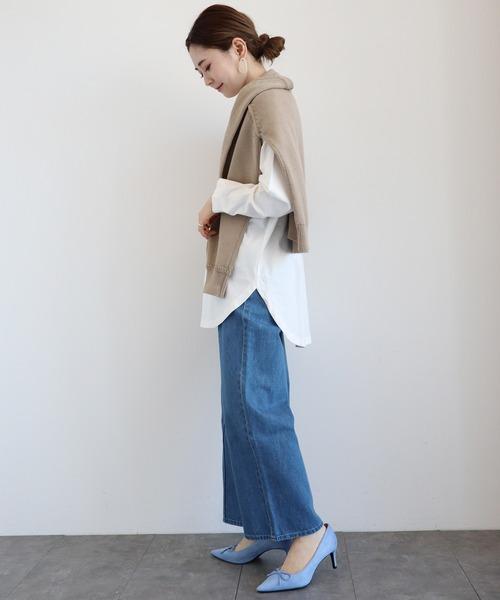 青デニムワイドパンツ×ロングシャツの秋コーデ