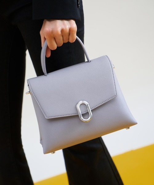 [CHARLES & KEITH] ストーンエンベリッシュド フロントフラップバッグ / Stone-Embellished Front Flap Bag