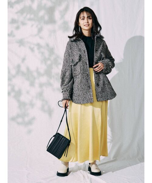 ツイードジャケット×カラースカート