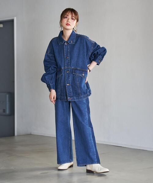 青デニムワイドパンツ×デニムシャツの秋コーデ