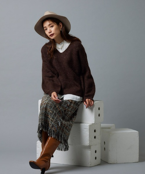 ツイードスカートの30代秋冬コーデ