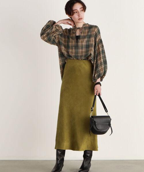 スエード調スカートの30代秋冬コーデ