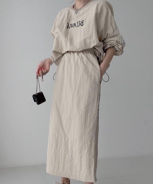 フロントロゴオーバーサイズブラウス+バックスリットロングスカートセットアップ