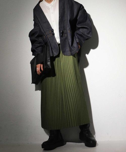 ネイビージャケット×カーキスカートの冬コーデ