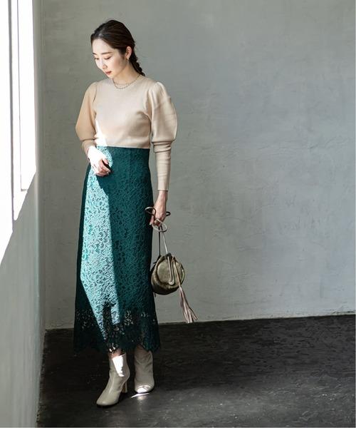 グリーンレーススカートの30代秋冬コーデ